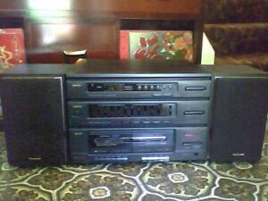 Sanyo Stereo System w Cassette Decks
