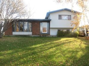 Full House in Beaverlodge $1450 Avail May 1st #2791