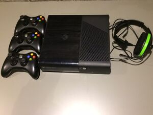 Xbox360 with 500G hard drive, 3 wireless controllers & headset