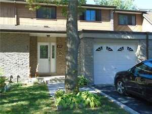 Rare 4Br Spacious TH OpenConcept Lots Of Storage Forestwood Cres