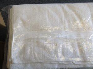 Salon Choice Black 16x27 absorbent cotton Towels($1.80 each) Regina Regina Area image 8