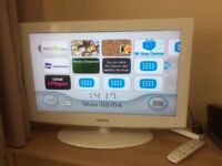 Samsung White 32inch HD TV and Wiifit bundle including balance board.