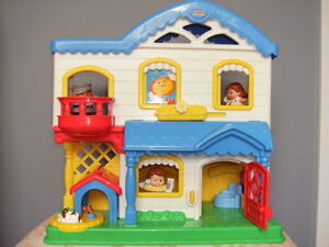 FISHER PRICE LITTLE PEOPLE HOUSE 2006  PRICE DOWN!!!!!!!