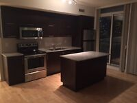 Luxury Maple Leaf square 2 bed 2 bath $2595 immed-York&Bremner