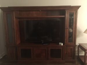 TV Display Cabinet Philippe Dagenais paid 2324$