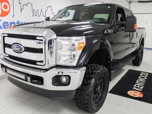 2015 Ford F-250 XLT LIFTED!!! MOVE....GET OUT THE WAY!!!