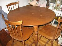 Vintage Maple Round Dinette Set with Large LEAF Insert
