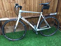 GIANT RAPID 2013 Bike - Plus free kit - Wimbledon * £295 *