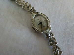 JEWELLERY/jewelry: much to choose from, watches,pins,brooches ,+