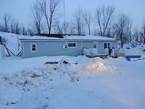3 bedroom bungalow near big gulf lake w/ many upgrades! $143,900