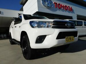 2017 Toyota Hilux GUN126R SR (4x4) White 6 Speed Automatic Dual Cab Utility Greenway Tuggeranong Preview