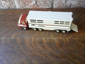 Vintage Tonka Semi-Truck and Horse Trailer 1970's
