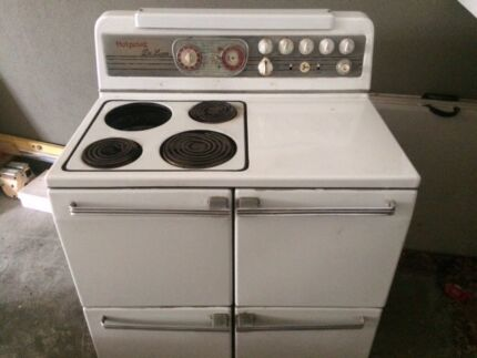 "Vintage retro ""Hotpoint Deluxe"" electric oven"