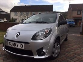 Renault twingo extreme 1.2 SILVER....................Nice wee car worth a look