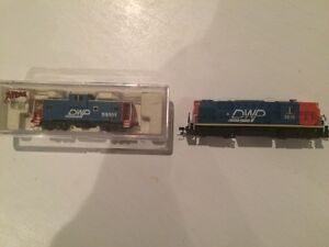 N Scale Atlas RS-11and cars, Broadway HO Makido 2-8-2 with dcc