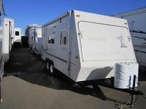 2004 Coyote hybrid 20 foot trailer 3400 pounds  dual tent ends