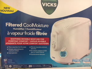 Vicks filtered cool moisture humidifier. Brand new in box