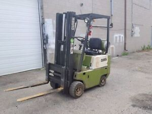 Tow trucks buy or sell heavy equipment in ontario for Clark tow motor parts