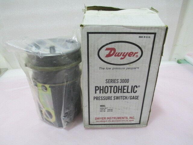 Dwyer Series 3000 Photohelic Pressure Switch/Gauge. 0-2 Inch Range, 419897