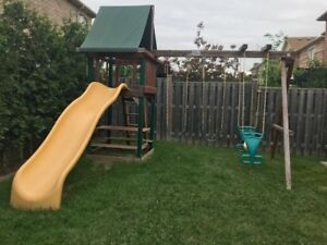 Playhouse & Swing/Slide Set - Outdoor (Rainbow PlaySystems Inc)