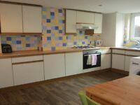 Double Room in Village Place-SAVE £100 ON YOUR FIRST MONTHS RENT IF YOU APPLY IN JUNE!