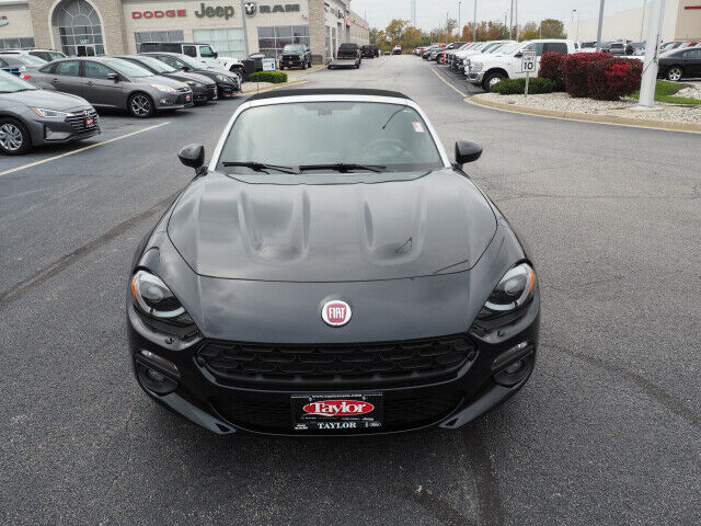 Image 2 Voiture American used Fiat 124 Spider 2017