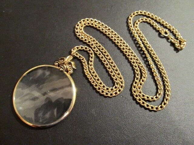 """Vintage Avon 1976 Magnifying Glass Pendant Necklace on GT Chain 28"""" Long"""