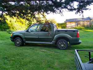 Ford Exlplorer sport track 2004 en tres bonne condition