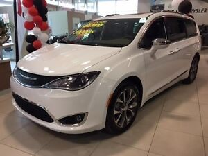 Chrysler Pacifica LIMITED + TOIT OUVRANT PANORAMIQUE + GPS+ CUIR