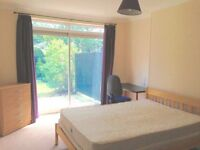 IMMACULATE, CLEAN, DOUBLE ROOM FOR RENT IN FRIENDLY HOUSEHOLD NEAR STANMORE TUBE STATION