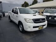 2011 Toyota Hilux KUN16R MY11 Upgrade SR White 5 Speed Manual Dual Cab Pick-up Canley Vale Fairfield Area Preview