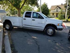 2004 Dodge Ram 3500 Laramie  DUALLY 4X4