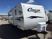 2008 COUGAR 29ft REAR LIVING SUPERSLIDE TRAILER- PERFECT COUPLES