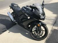 2013 KAWASAKI NINJA 250CC LOW KM FINANCING AVAILABLE SUPER CLEAN Oakville / Halton Region Toronto (GTA) Preview