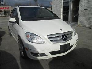 2011 Mercedes Benz B200 Turbo One Owner/Bluetooth.