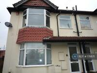 1 bedroom flat in Rayners Gardens, Southampton, SO16 (1 bed)