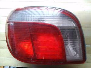 Lumière arrière toyota echo conducteur gauche, left tail light