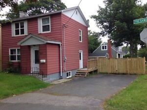 Available April 1st Room for rent, 5 minutes walk from MUN
