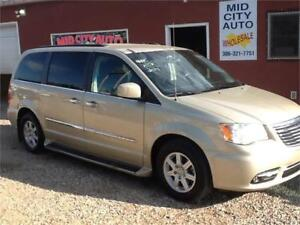 SOLD   2011 Chrysler Town & Country Touring 155kms