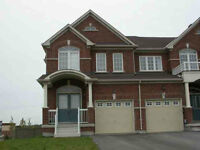 4 Bedroom House for Rent in Maple close to Dufferin & Major Mack