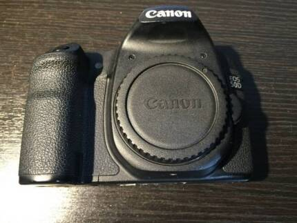 CANON EOS 50D DSLR BODY ONLY IN EXCELLENT WORKING CONDITION
