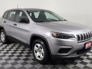 2019 Jeep Cherokee w/REMOTE START, HEATED SEATS AND STEERING WHE