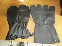 Alte Motorrad Handschuhe 2 Paar Nordrhein-Westfalen - Erftstadt Vorschau