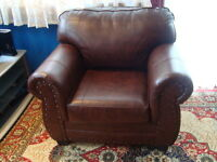 SINGLE SEAT SOFA IN MINT CONDITION