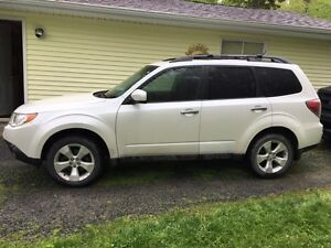 REDUCED- 2010 Subaru Forester SUV, Crossover