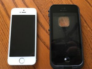 Silver iPhone 5s 32gb with life proof case!