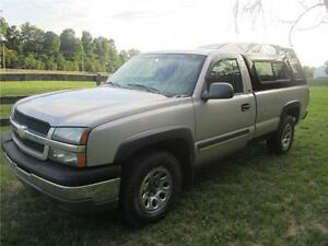 2005 Chevrolet Silverado 1500 4x4 8ft BOX