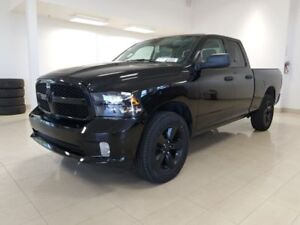 2018 Ram 1500 Express ALL BLACK Bluethoot, cam recul, 20 pouces