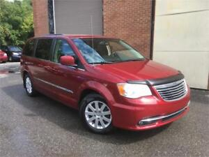 CHRYSLER TOWN&COUNTRY 2013/AUTO/7 PASSAGERS/TRES BONNE CONDITION