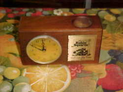 Vintage Kellogg's Raisin Squares wood desk clock w/Kienzle German movement 60's?